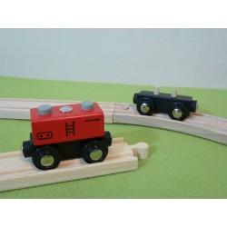 Wagon z czerwonym kontenerem z kominami