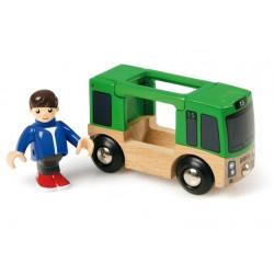 Autobus - szynobus z pasażerem