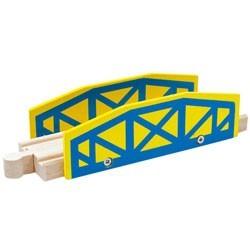 Mostek z drewnianym płotkiem