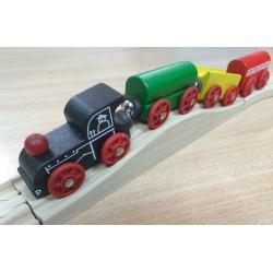 Kolorowy pociąg drewniany