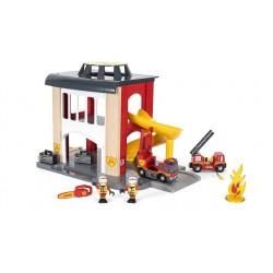 Piętrowa remiza strażacka kolejowa